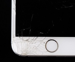 Phone-screen-cracked-t