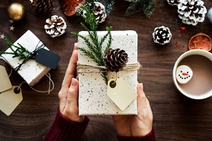 Unique-gifts-for-holiday-season-t